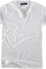 bia�a koszulka Pull and Bear - jesie�/zima 2010/2011