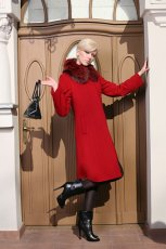 czerwony p�aszcz Warmia z futerkiem - kolekcja jesienno-zimowa