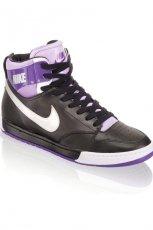 czarne trampki Nike - sezon jesienno-zimowy