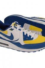 kolorowe trampki Nike - sezon jesienno-zimowy