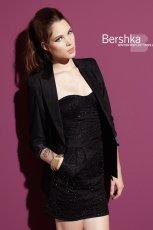 czarna sukienka wieczorowa Bershka - kolekcja zimowa