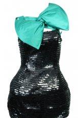 czerna sukienka z cekin�w z zielon� kokard� Simple - jesie�/zima 2010/2011