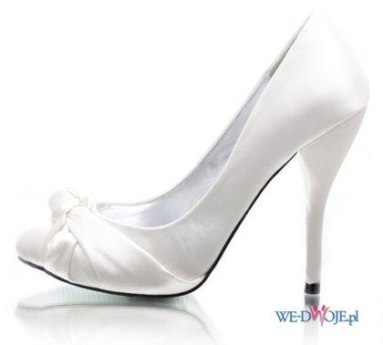 bia�e szpilki DeeZee - wieczorowe obuwie