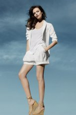 bia�e szorty H&M - wiosna/lato 2011