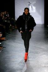 czarna kurtka Eva Minge - kolekcja jesienno-zimowa