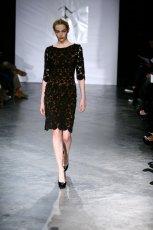 czarna sukienka Eva Minge - moda jesie�/zima 2010