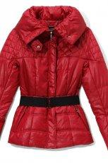 czerwona kurtka Reserved - wiosna 2011