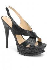 czarne sanda�y Kazar - moda 2011