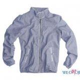 В Pull and Bear есть джинсовые пиджаки, короткие кожаные куртки...