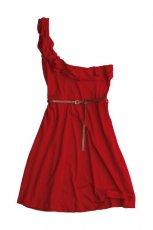 czerwona sukienka Pull and Bear asymetryczna - moda wiosna/lato