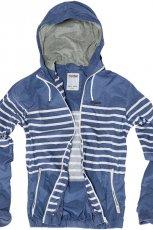 niebieska kurtka Pull and Bear w paski - moda wiosna/lato