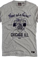 szary t-shirt Pull and Bear z aplikacj� - kolekcja wiosenna