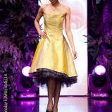 z�ota sukienka wieczorowa Teresy Rosati - wiosna/lato 2011