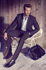 czarne botki Gino Rossi - trendy na jesie�