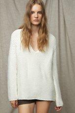 bia�y sweter ZARA - jesie�/zima 2011/2012