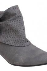 szare botki CCC - moda jesie�/zima