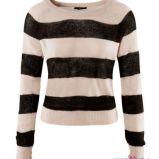 �ososiowy sweter H&M w pasy - kolekcja jesienno-zimowa
