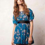 niebieska sukienka Pull and Bear w kwiaty - jesie�/zima 2011/2012