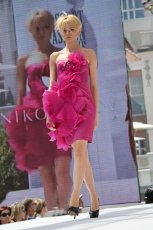 r�owa sukienka wieczorowa Milita Nikonorov - jesie� 2011