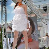 bia�a sukienka wieczorowa Milita Nikonorov - moda jesienna