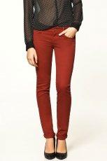 czerwone spodnie ZARA - jesie�/zima 2011/2012