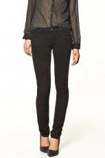 czarne spodnie ZARA - jesie�/zima 2011/2012