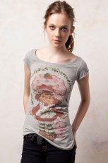 szary t-shirt Pull and Bear z nadrukiem - jesie�/zima 2011/2012