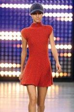 czerwona sukienka Benetton - kolekcja jesienno-zimowa