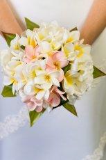 Prosty bukiet �lubny z bia�ych kwiat�w