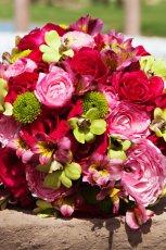 Bukiet �lubny z czerownych kwiat�w