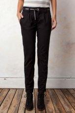 czarne spodnie Pull and Bear - jesie�/zima 2011/2012