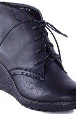 czarne botki Fw11 - trendy na jesie�-zim�