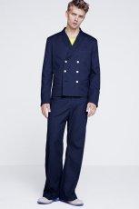granatowa marynarka H&M - trendy wiosenne