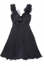 czarna sukienka Aryton z kwiatem - trendy zimowe