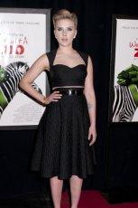 Scarlett Johansson - Kr�tkie kreacje karnawa�owe