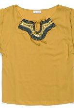 ��ta bluzka C&A z ozdobami - trendy wiosenne