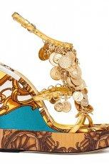 kolorowe sanda�y Dolce&Gabbana na koturnie - z kolekcji wiosna-lato 2012