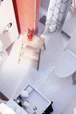 Jasna nowoczesna �azienka IKEA - 2012