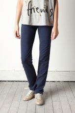 granatowe spodnie Pull and Bear - wiosna/lato 2012