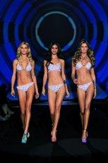 bia�e bikini Calzedonia we wzorki - kolekcja wiosenna