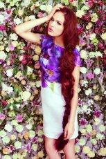 bia�a sukienka DanHen w kwiaty - wiosna/lato 2012