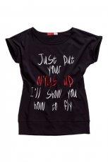 czarny t-shirt Moodo z napisami - letnia kolekcja