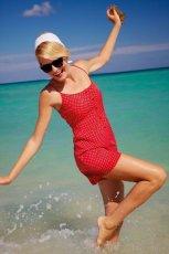 czerwona sukienka F&F w groszki - lato 2012