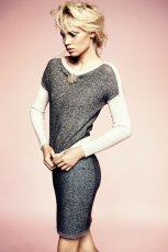 sukienka Deni Cler w kolorze popielatym - jesie�-zima 2012/2013