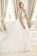 suknia �lubna linia A Pronovias na rami�czkach