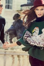 zielony sweter Stefanel z nadrukiem   moda 2012/2013