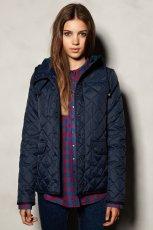 zimowa pikowana kurtka Pull and Bear w kolorze granatowym - moda jesie�-zima 2012/2013