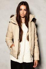 sportowa kurtka Pull and Bear w kolorze be�owym - jesie�-zima 2012/2013