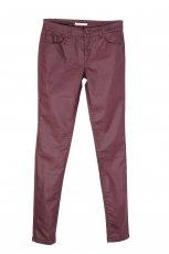 Urzekaj�ce sk�rzane rurki Camaieu w kolorze czerwonym  moda jesie� i zima 2012/13