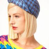 niebieska czapka w pepitk� moda na jesie�
